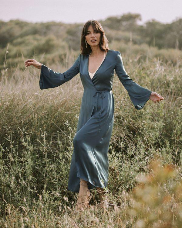 hupit-moda-ecológica-sostenible-vestido-azul-basil