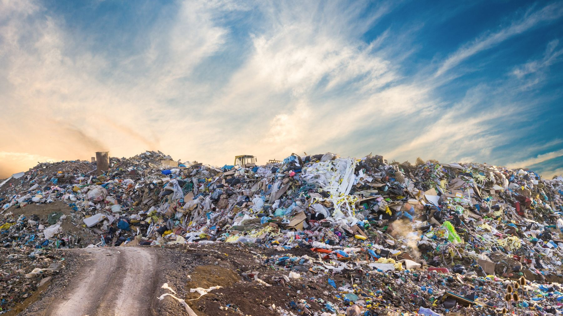 vertedero-plastico-reciclaje-ropa-sostenible