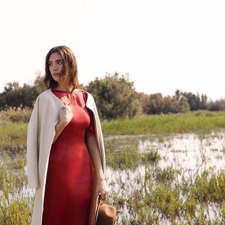 hupit-moda-sostenible-vestido-rojo-cupro-ecologico-2